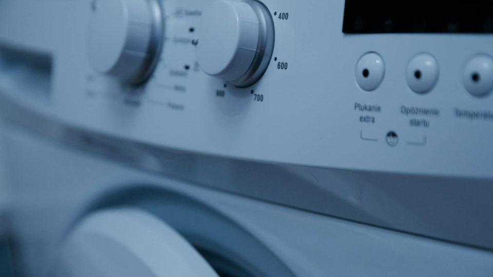 Jak zapojit pračku bez pomoci odborníka?