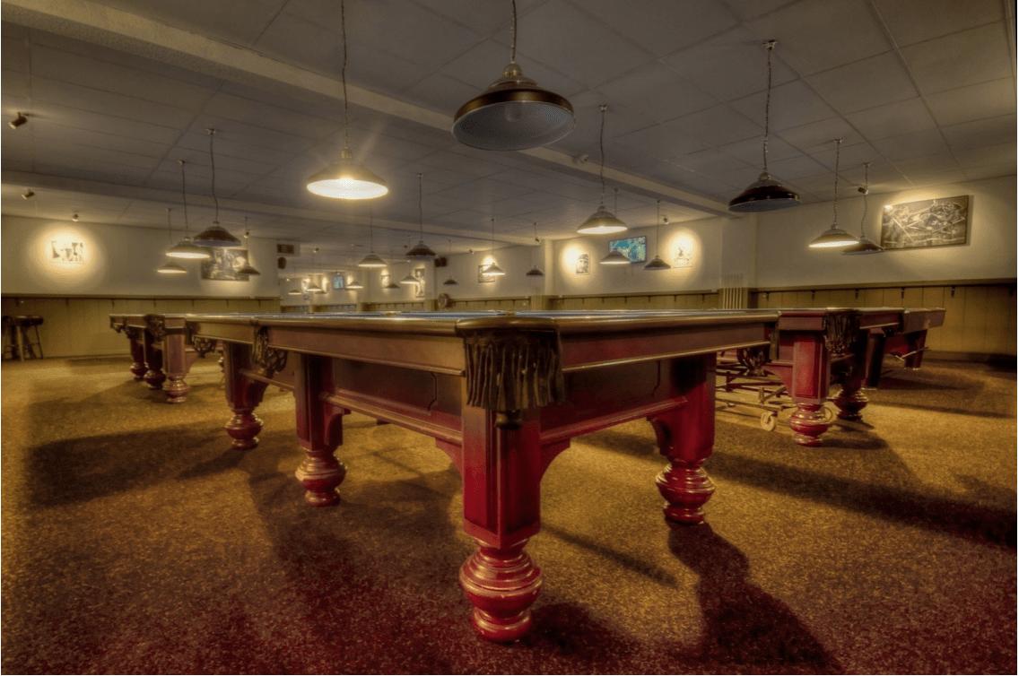 Kulečníkový stůl