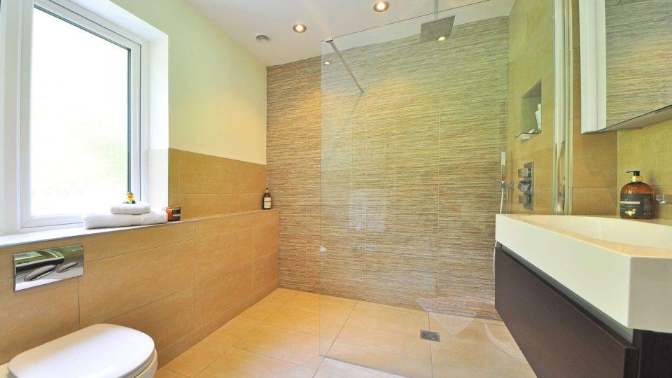 Modernizaci koupelny můžete zvládnout levně a rychle!