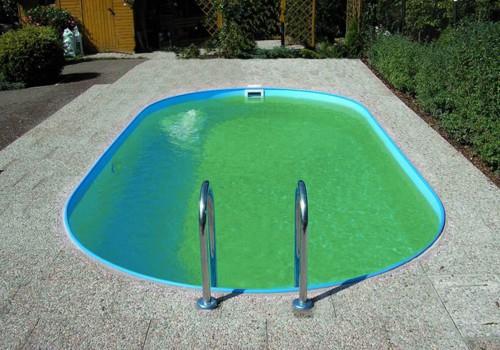 Zastřešení bazénu: Znečištěná voda